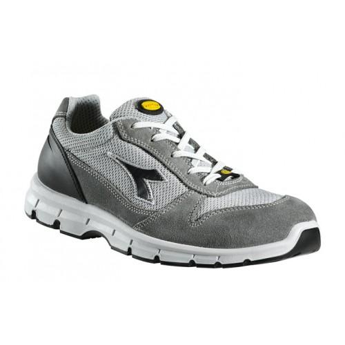 La chaussure Run Textile